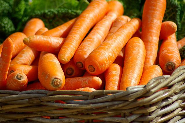 Carrots, Basket, Vegetables, Market, Food