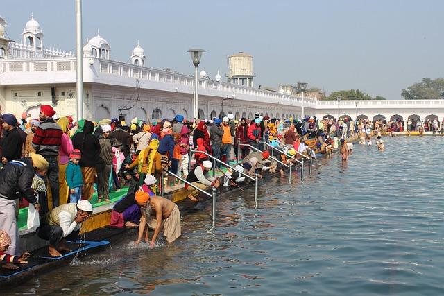Gurudwara Dukhniwaran Sahib, Patiala, Sikh, Bath