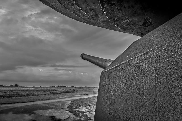Longues-sur-mer Battery, German, Battery, Beach, France