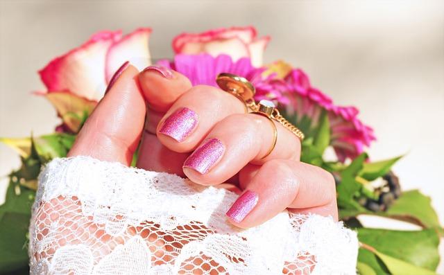 Roses, Pink, Nail Varnish, Beauty, Manicure