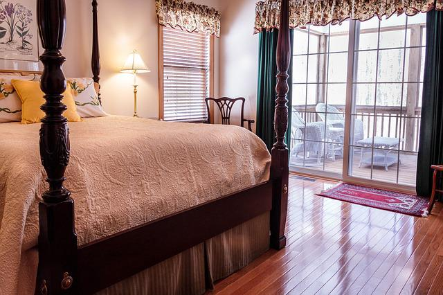 Bedroom, Bed, Hardwood Floor, Curtains, Drapes