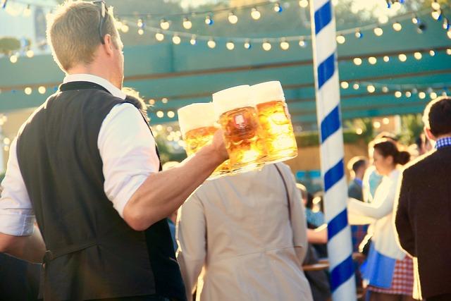 Oktoberfest, Munich, Waiter, Beer, Measure