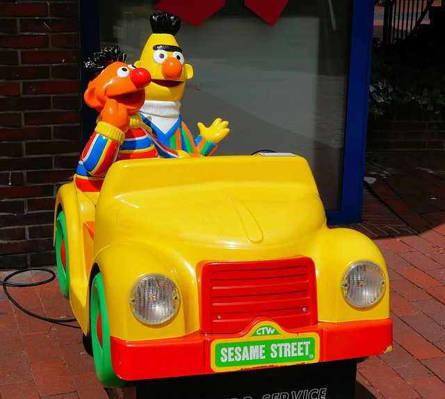 Bert And Ernie, Sesamstrasse, Electric Car, Children