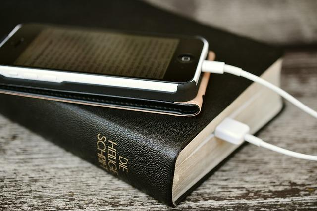 Bible, Iphone, Mobile Phone, Read, Read Online