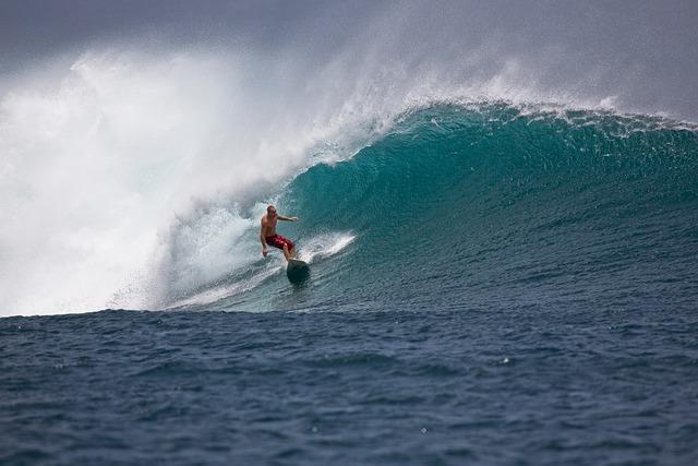 Big Waves, Surfer, Power, Bravery, Danger