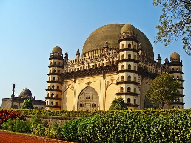 Bijapur, Gol Gumbaz, Karnataka, Monument, India, Travel