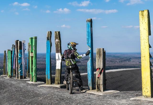 Mountain Bikers, Bike, Break, Totems, Dump, Rest