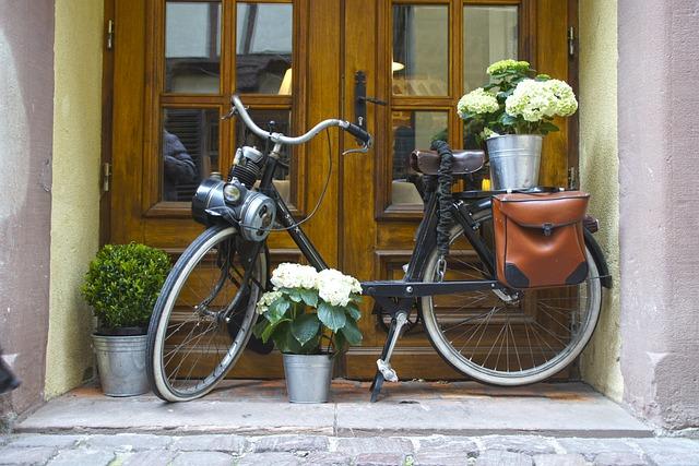 Bike, Old, House Entrance, Wheel, Input, Nostalgia