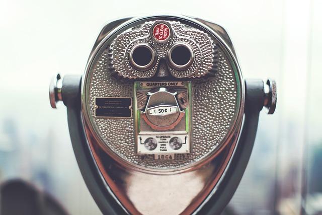 Looking, Glass, Binoculars, Magnifying, Tourist