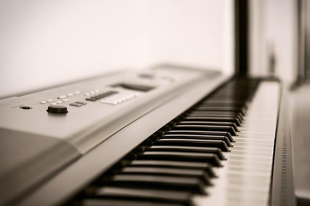 Black, Classic, Foreground, Instrument, Ivory, Keyboard