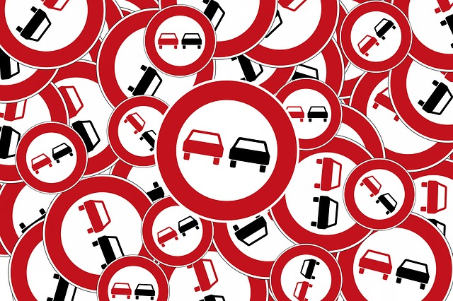 Overtaking, Traffic Sign, Bundestagswahl, Red, Black