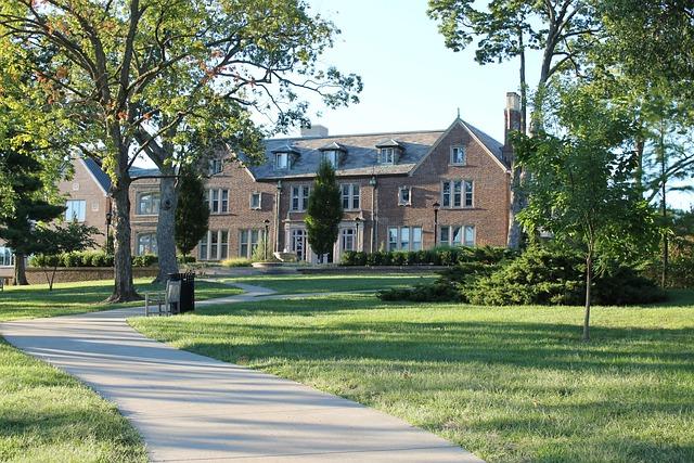 Bloch School Of Management, Building, School, College