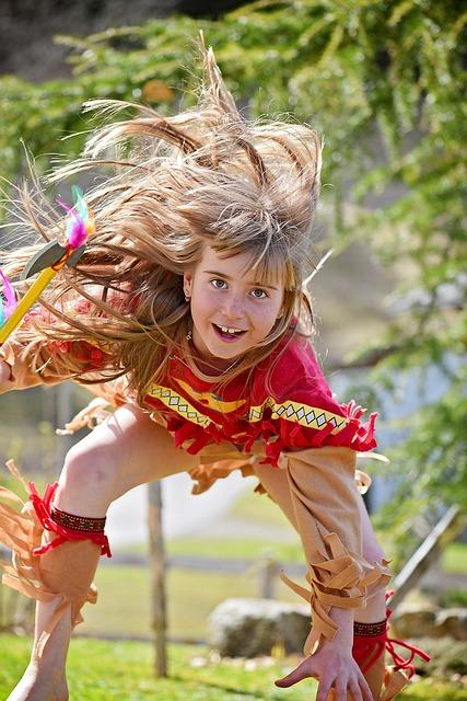 Human, Child, Girl, Blond, Long Hair, Indian, Play