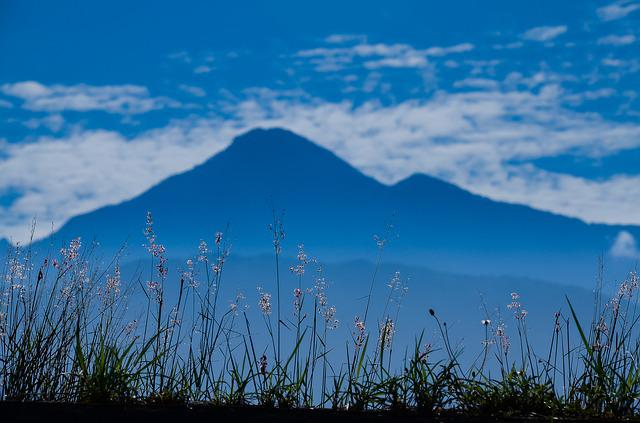 Screen East Central Mountain Range, Blue Day, Natural