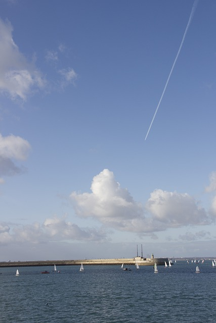 Dublin, D, Dún Laoghaire, Sky, Blue Sky, Clouds, Trail