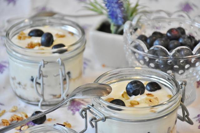 Yogurt, Berries, Blueberries, Dessert, Milk, Food