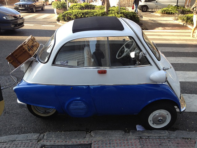 Free Photo Front Boarding Bmw Front Door Two Seater Isetta 300 Max