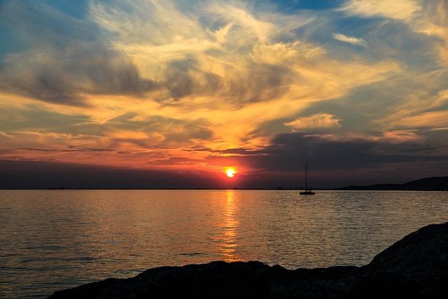 Smoke, Boat, Sun