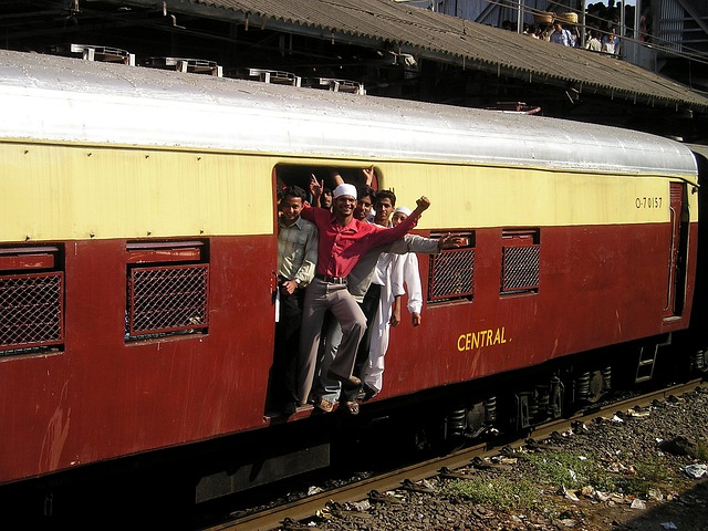 India, Mumbai, Bombay, Train, Crowds, Overloaded