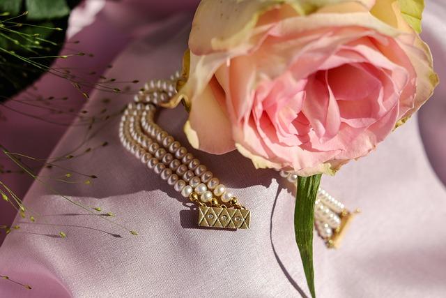Bracelet, Pearl Bracelet, Closure, Gold, Gems, Romantic