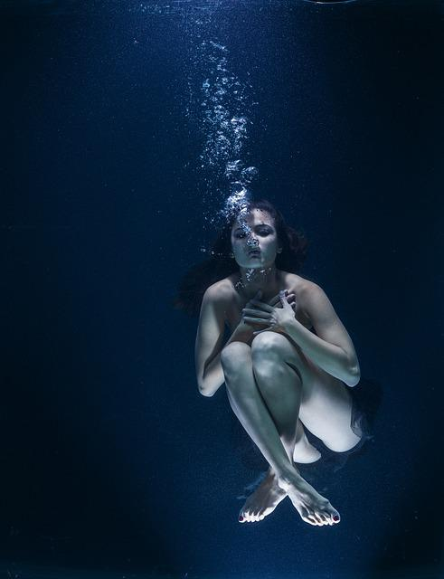 Woman, Swimming, Underwater, Nightmare, Breath