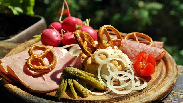 Snack, Cheese, Sausage, Ham, Breze, Onion, Wreak, Enjoy