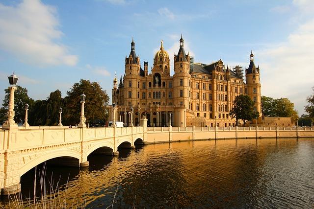 Bridge, Castle, Schwerin, Brandenburg Gold