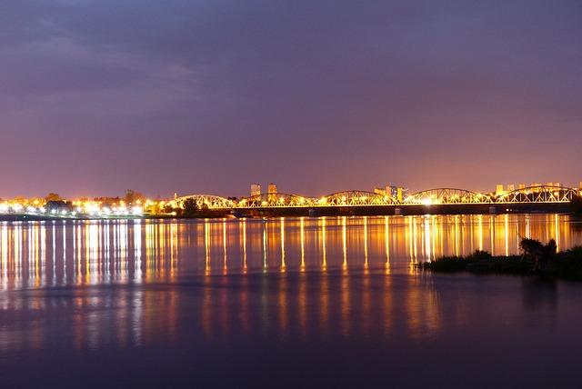 Bridge Lagoon, The Wave Is Reflected, City, Grudziadz