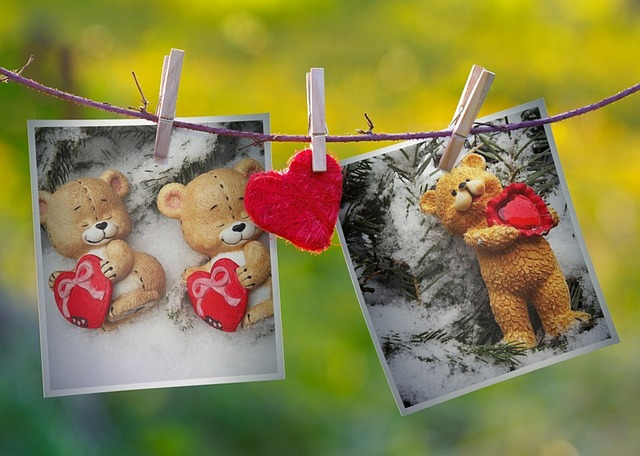 At The Court Of, Twine, Buckles, Photos, Heart
