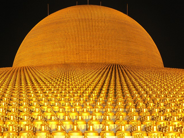 Dhammakaya Pagoda, More Than, Million, Budhas, Gold