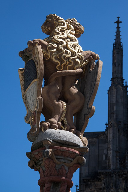 Lion, Gilded, Ulm, City, Coat Of Arms, Building