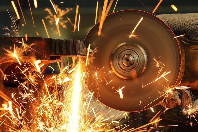 Bulgarian, Spark, Work, Cuts Metal, Gloves, Employee