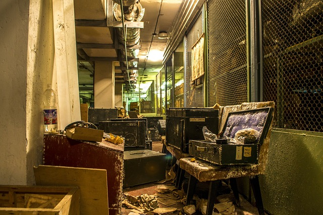 Bunker, The Abandoned, Boxes, Digging