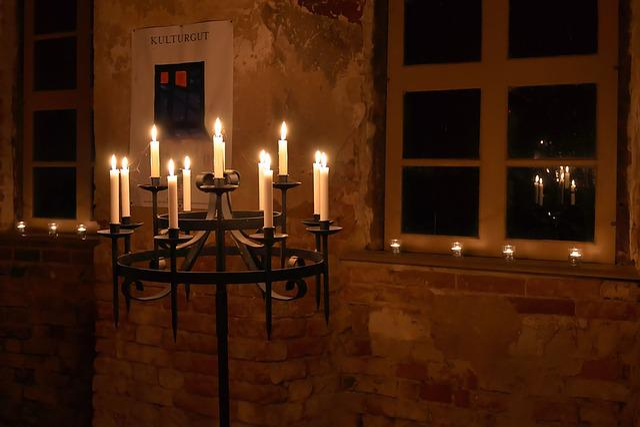 Candlestick, Candle, Candlelight, Flame, Burn, Mood
