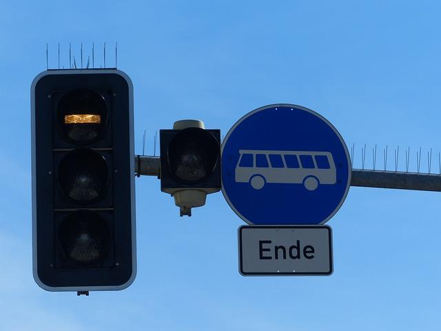 Traffic Lights, Bus, Buses, Pave, Train, Tram