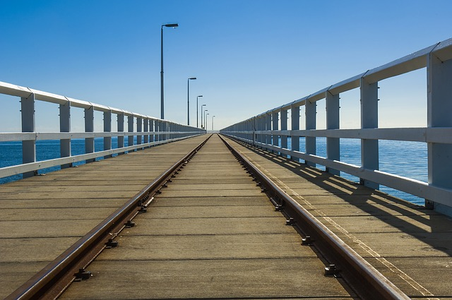 how to get to cottesloe beach by train