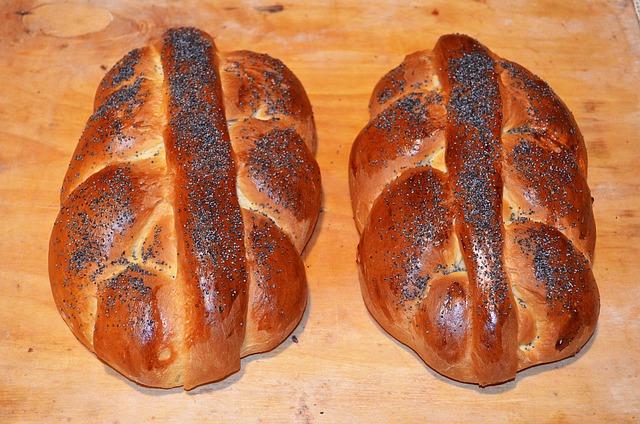 Cake Yeast, Chałka, Bread, Cake, Cakes, Raisins, Bun
