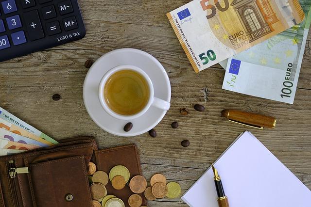 free photo calculator money euro bank note count purse. Black Bedroom Furniture Sets. Home Design Ideas