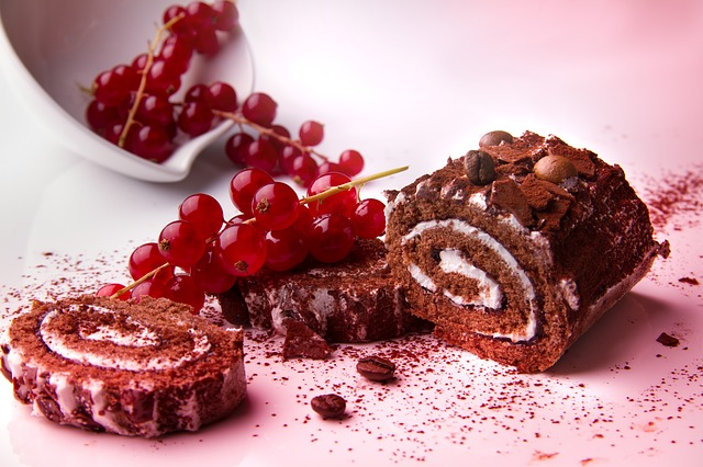 Cake, Color, Red, Black Forest Cherry Roll, Calories