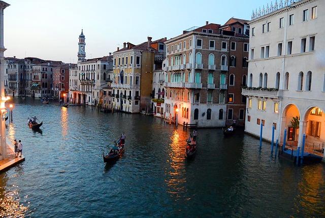 Gondolas, Canale Grande, Rialto Bridge, Venice, Italy