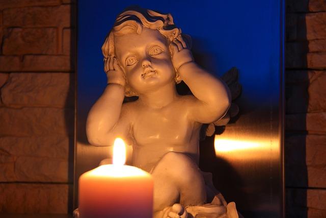 Hear No Evil, Angel, Candle, Trilogy, Symbolism