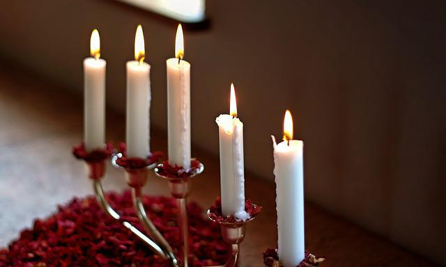 Candles, Candlestick, Flame, White, Candlelight