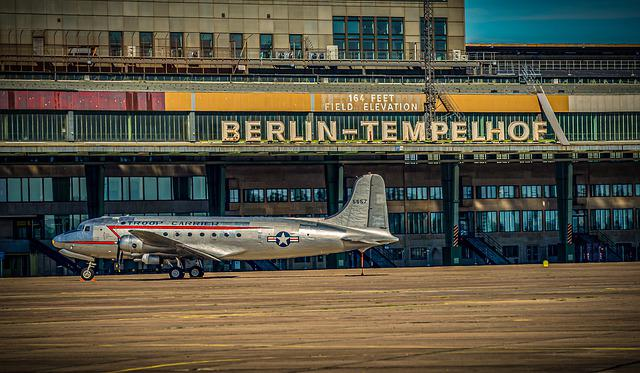 Airport, Aircraft, Flyer, Candy Bomber, Aviation