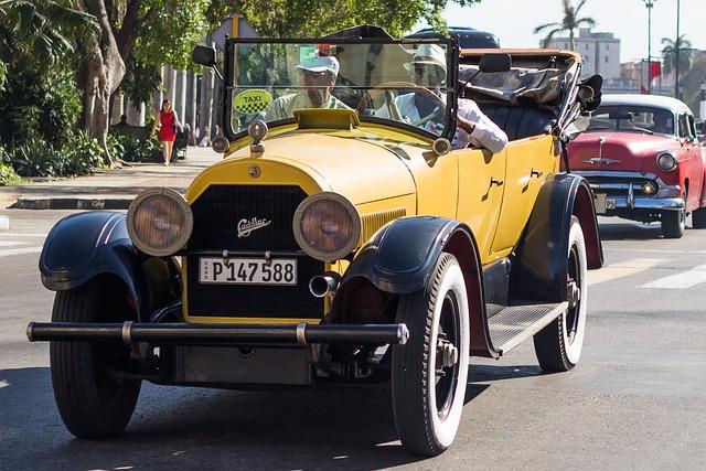 Cuba, Havana, Capitolio, Paseo Del Prado, Classic