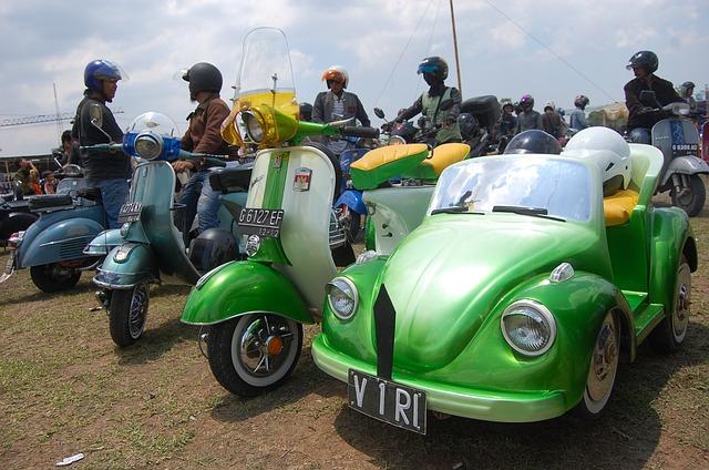 Semarang, Indonesian, Central Java, Motor, Vespa, Car