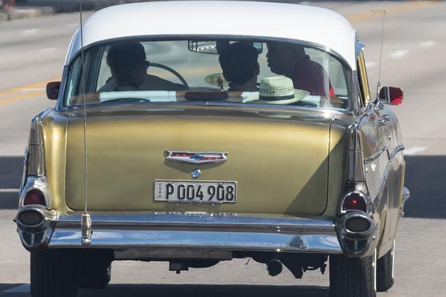Cuba, Havana, Malecon, Almendron, Chevy, Gold, Car