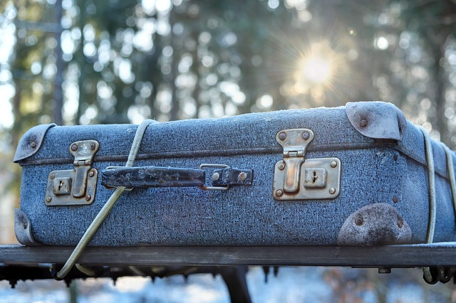 Luggage, Cardboard Suitcase, Worn, Travel, Out, Winter