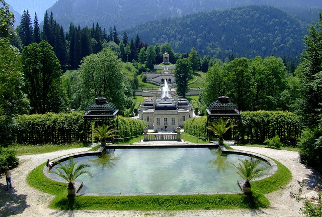 Linderhof Palace, Back Castle Lindern Court, Castle