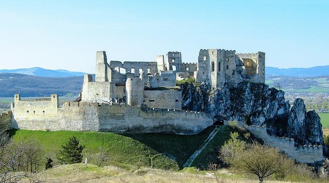 Beckovský Castle, Beckov, Castle, The Ruins Of The