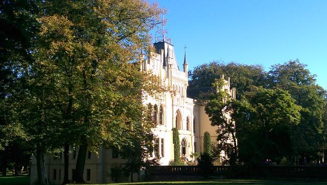 Evenburg, Leer, Trees, Castle